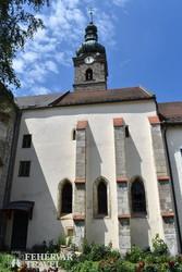Szécsény - gótikus ablakok és támpillérek a ferences templom oldalában