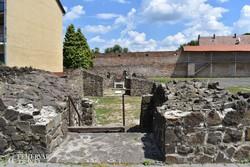 ősi romok az egykori szécsényi vár területén