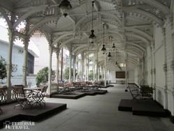 a Market Colonnade Karlovy Varyban
