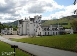 Blair hófehér kastélya a Skót-felvidéken
