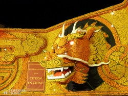 sárkány a mentoni Citrom Fesztiválon