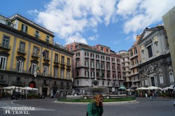 Nápoly – séta a Fontana del Carciofo körül