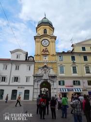 Rijeka belvárosának részlete az Óratoronnyal