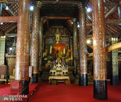 jellegzetes templombelső Luang Prabangban