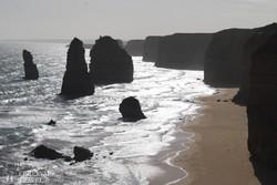 a Nagy Óceáni út mentén fekvő 60 méter magas sziklák, a 'Tizenkét Apostol'