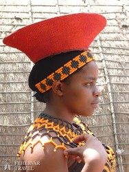 zulu nő jellegzetes törzsi viseletben
