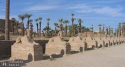 Szfinxek sora a Luxori-templom bejárata előtt