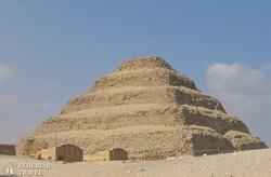 a híres lépcsős piramis Szakkarában