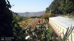 kilátás Funchalra a botanikus kertből