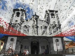Monte: a Miasszonyunk-templom ünnepi díszben