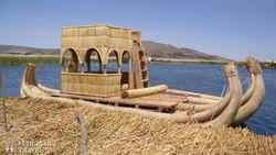 nádhajó a Titicaca-tavon