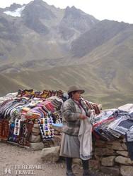 inka árus és portékái az Andok egyik hágóján