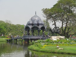Thaiföld skanzenje – az Istenek Kertje