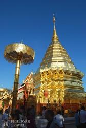 a Wat Doi Suthep templom Chiang Mai mellett