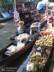 a Damnern Saduak úszó piac