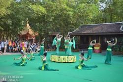 előadás a Kambodzsai Kulturális Faluban