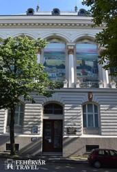 a Csontváry Múzeum épülete