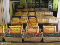 bazári fűszerkínálat Granadában