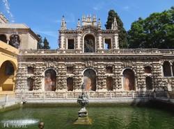 a sevillai Alcázar kertjében