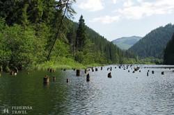 a vadregényes Gyilkos-tó a Kárpátokban