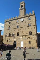 Volterra középkori városházája