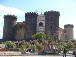 Nápoly: a Castel Nuovo