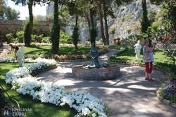 Capri: virágözön Augustus kertjében