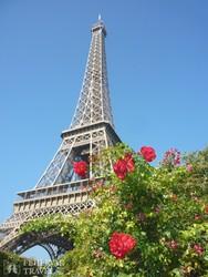az Eiffel-torony virágköntösben