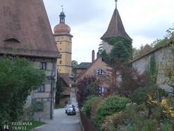 Dinkelsbühl óvárosa a városfallal – részlet