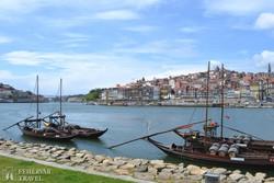 Porto látképe a Douro folyó partjáról