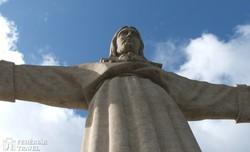 a Krisztus Király emlékmű Lisszabon mellett
