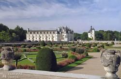 a hangulatos Chenonceau-i kastély és parkja
