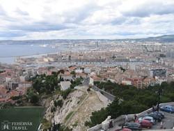 kilátás Marseille-re a Notre-Dame de la Garde bazilikától
