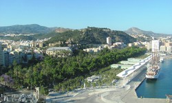 kikötői látkép Málagában