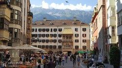 Innsbruck: az óváros főtere az Aranytetővel