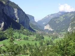 a meseszép Lauterbrunneni-völgy