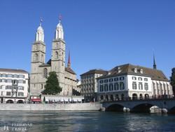 Zürich: a Münster a Limmat folyó partján