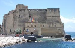 Nápoly: a Castel dell'Ovo (Tojás-vár)