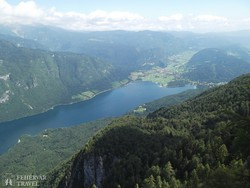 panoráma a Bohinji-tóra a Vogel-hegyről