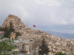 kilátás a kappadókiai Uçishar városára
