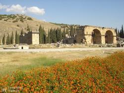 az ókori Hierapolis színházának maradványai Pamukkáléban
