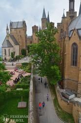 a Hohenzollern-vár udvara – részlet