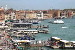 Velence lagúnaparti sétánya és kikötősora