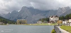 a Misurina-tó a Dolomitok ölelésében