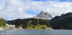 a Misurina-tó a Dolomitokban, háttérben a Tre Cime di Lavaredo