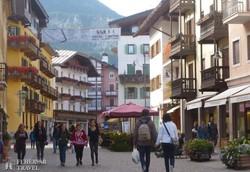 Cortina d'Ampezzo hangulatos sétálóutcája