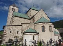 Innichen: a középkori apátsági templom