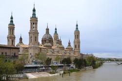 Zaragoza híres bazilikája az Ebro partján