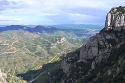 gyönyörű panoráma a Montserrat környéki tájra