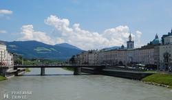 salzburgi panoráma a Salzach folyóról